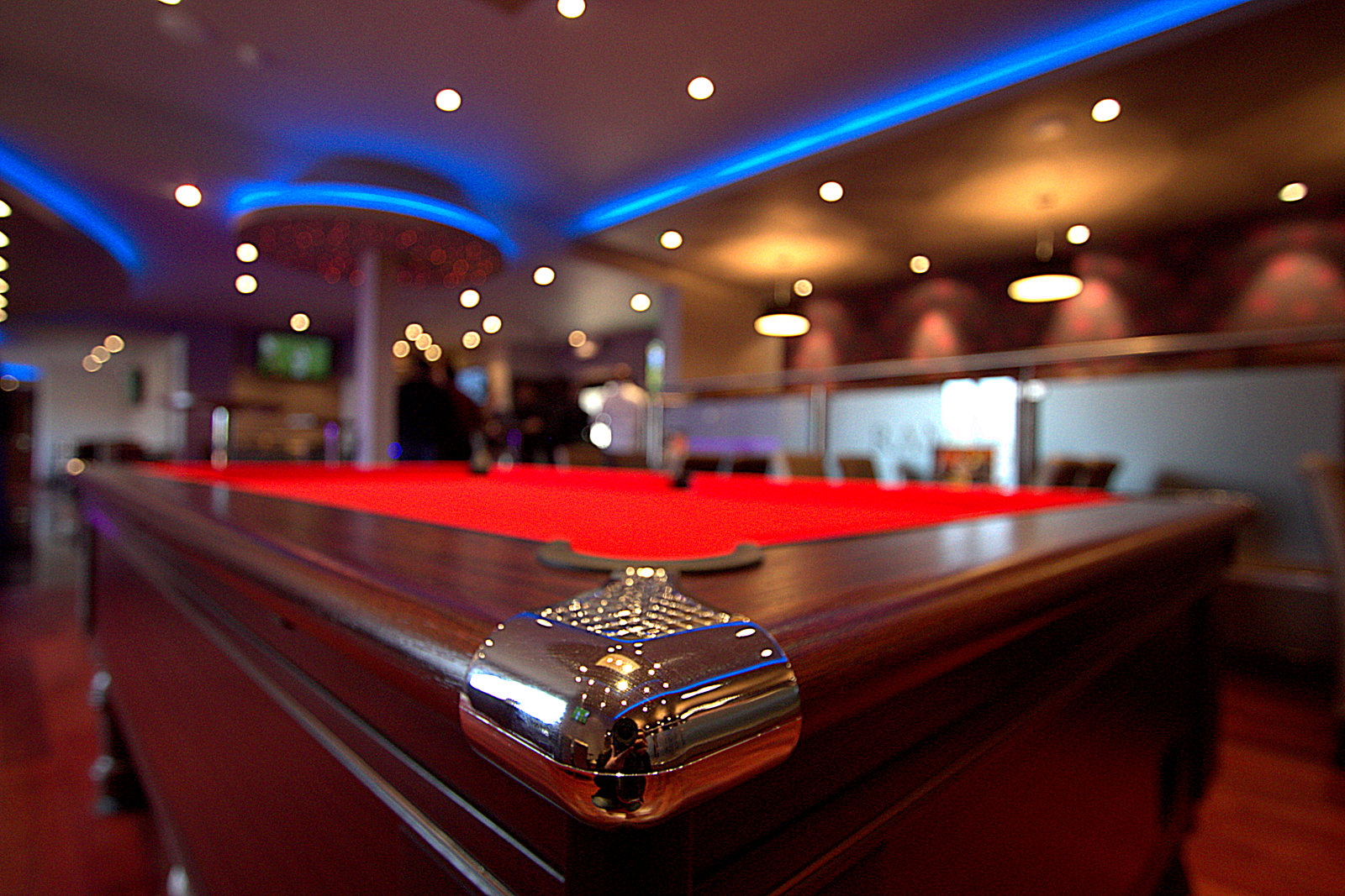 play pool at ram club in crawley